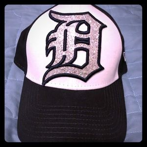 Womens Detroit Tigers Bling Hat